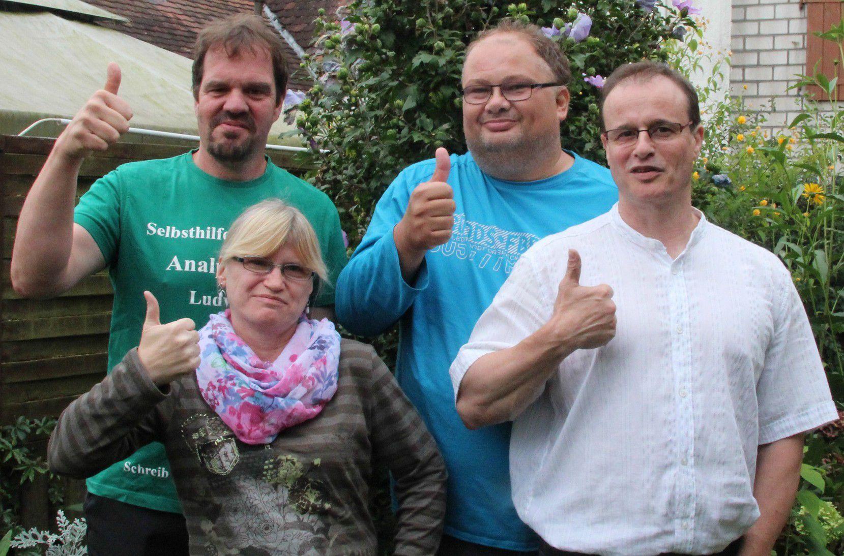 Einige Mitglieder der Selbsthilfegruppe Analphabeten Ludwigshafen-Mannheim